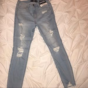 Never Worn High Rise Hollister Skinny Jeans